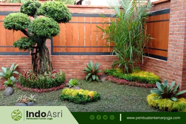 Indo asri menyediakan layanan  Pembuatan Taman Landscape