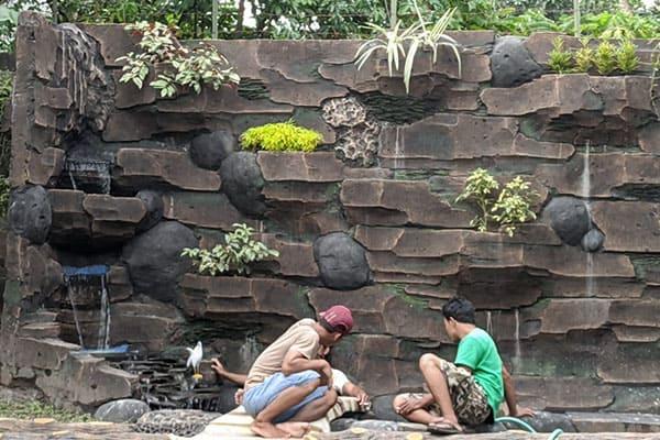 pembuatan taman jogja-kolam relief (2)